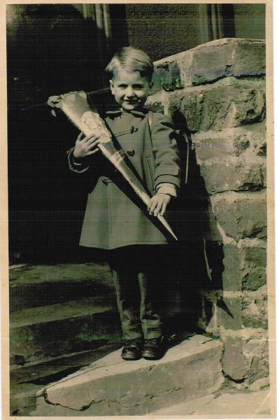 Erich Junior bei der Einschulung