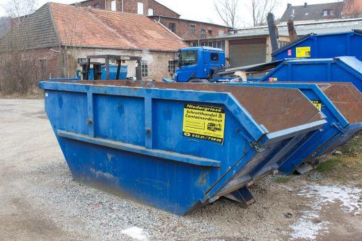 7 Kubikmeter Container mit Klappe